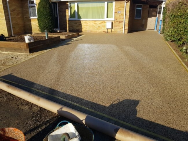 Resin Drives and Pathways / MV Firming Landscaping Oxfordshire